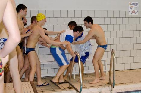 Juan Cartlos Sanchón no se libró del piscinazo.