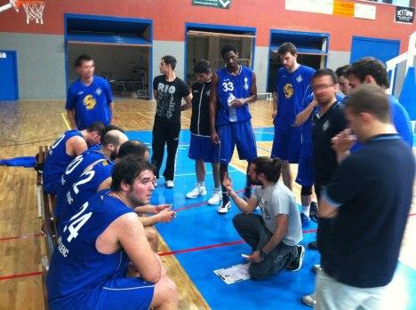 Marc Gayà y sus jugadores volvieron a orientarse por la senda de la victoria.