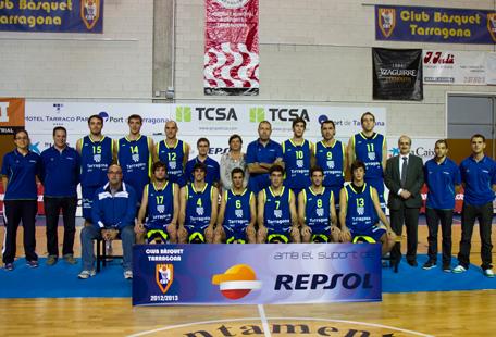 Santfeliuenc i Tarragona disputen un matx d'altura. Font de la imatge: www.cbtarragona.cat